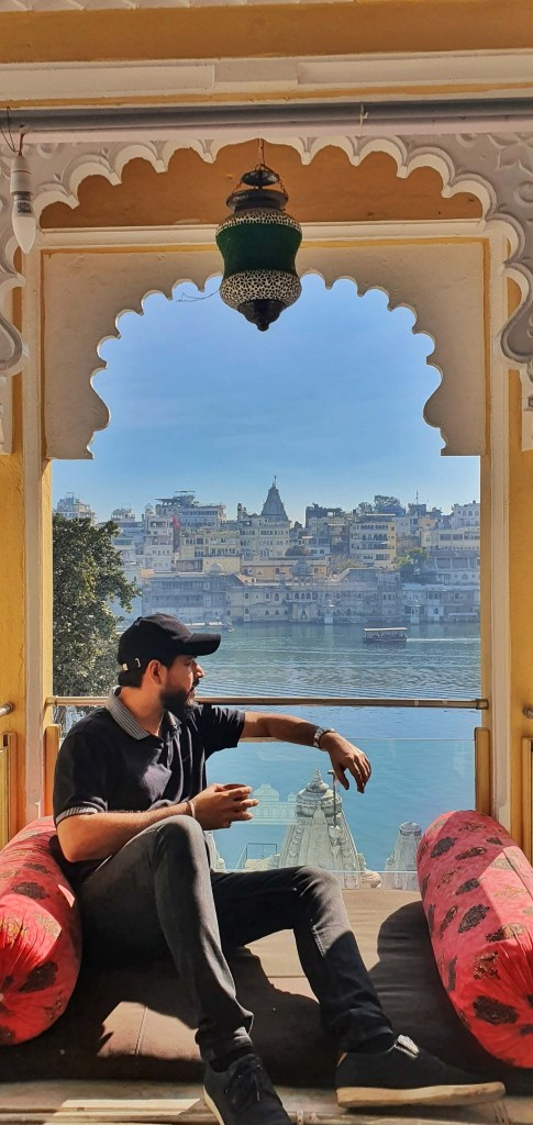 City of Lakes - Hide-In Hostel overlooking Lake Pichola