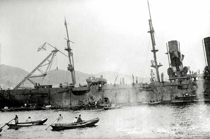 Вид на полуют броненосного крейсера «Россия» после боя в Корейском проливе, Владивосток, 16 (3 ст. ст.) августа 1904 года
