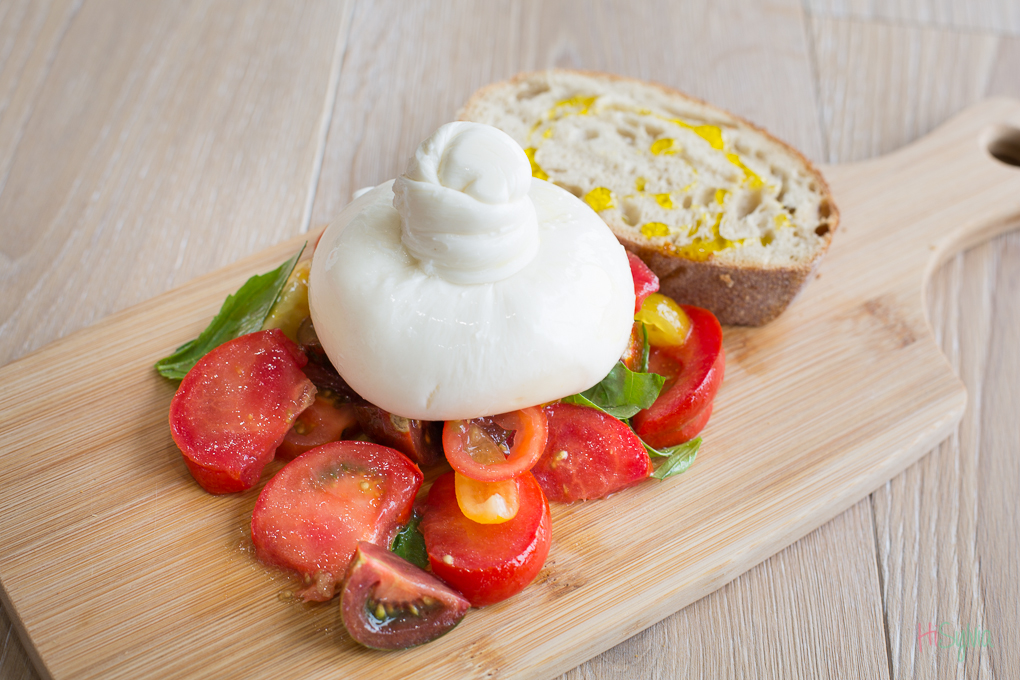 burrata cheese photo