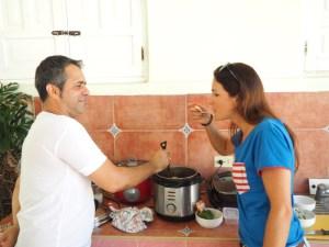 Sauce probieren, Fischrezept, Fisch in Kokssauce, Rezept Kuba, Küche Kuba