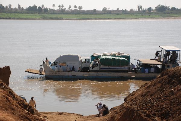 Fähre über den Nil