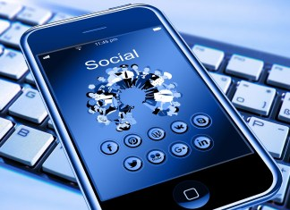 creating live videos on social media