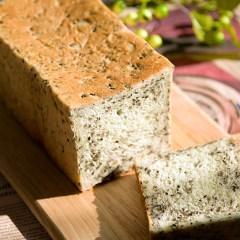 セサミ食パン