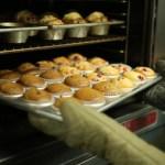 アルミカップはオーブンで使える?電子レンジやトースターの注意点も
