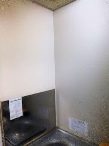 台所のコンロ周りの壁