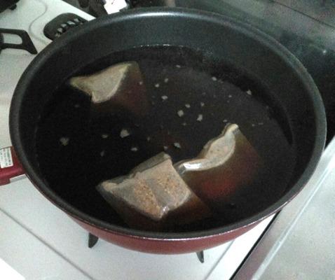 焼くだけ簡単きつねうどん①うどんつゆを作ります