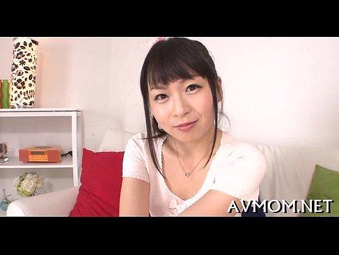 激カワで超淫乱な美巨乳人妻がアダルト男優のチンポに大興奮なひとずま無料 kyokonn nu-sa