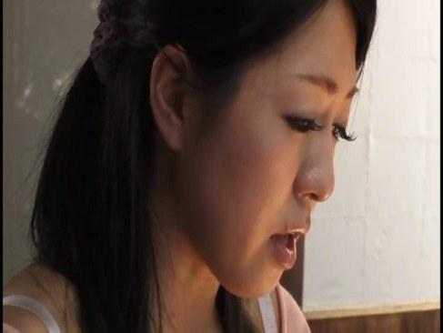 田舎に嫁いだ四十路熟女妻が夫や義父達に乱暴に犯される日活 無料yu-tyubu