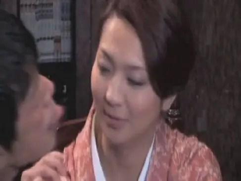 小料理屋の女将をしてる四十路熟女妻が客と性交する日活ロマンひとずま無料 kyokonn nu-sa