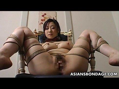 M字開脚で緊縛されおまんこを弄られてる四十路美熟女の日活 無料yu-tyubu 昭和