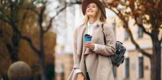 Ilustrasi Gambar Outfit Musim Hujan untuk Wanita