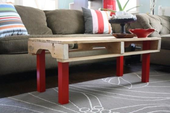 маса от дървени палети