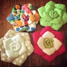 Цветя от плат изработени от вас