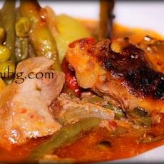 Гювеч със замразени зеленчуци и месо
