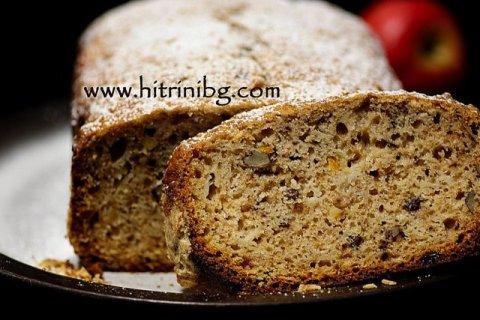 Нарязан кекс в хлебопекарна