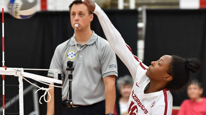 Razorbacks drop first match in Maryland Invitational to Terps