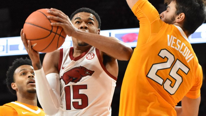 Jones' stellar season doesn't make him one of Hogs' all-time greats