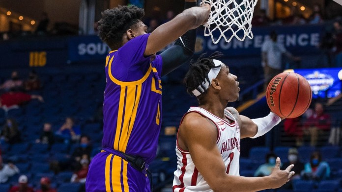 Hogs have bad game, still in NCAA, but Muss wanted to win