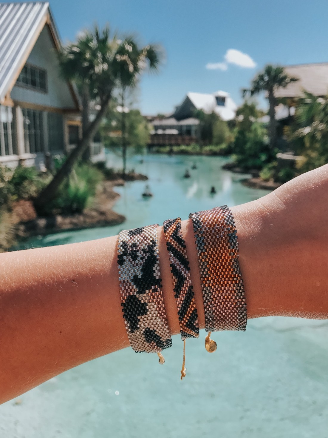 I'm sharing a few simple tips on how to find peace in your life and live with a little less stress every day. | Bracelets from @kutulakiss