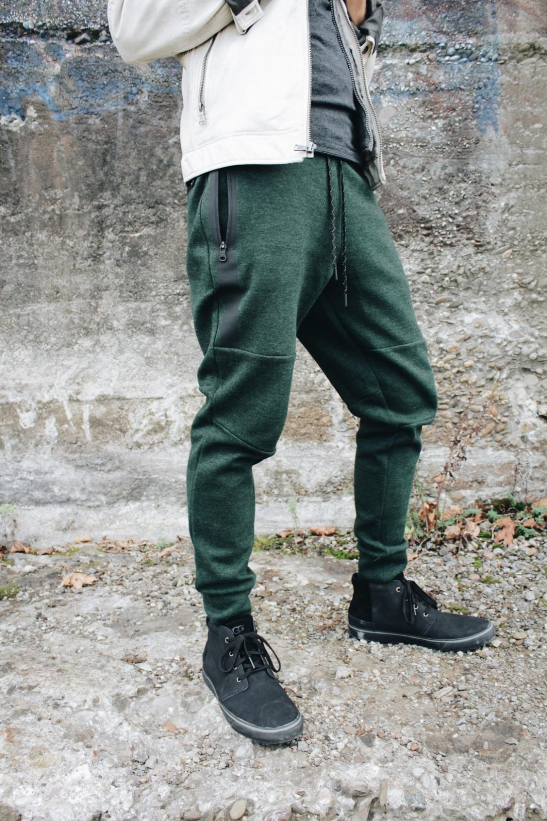 Men's fleece jogger pants from American Eagle