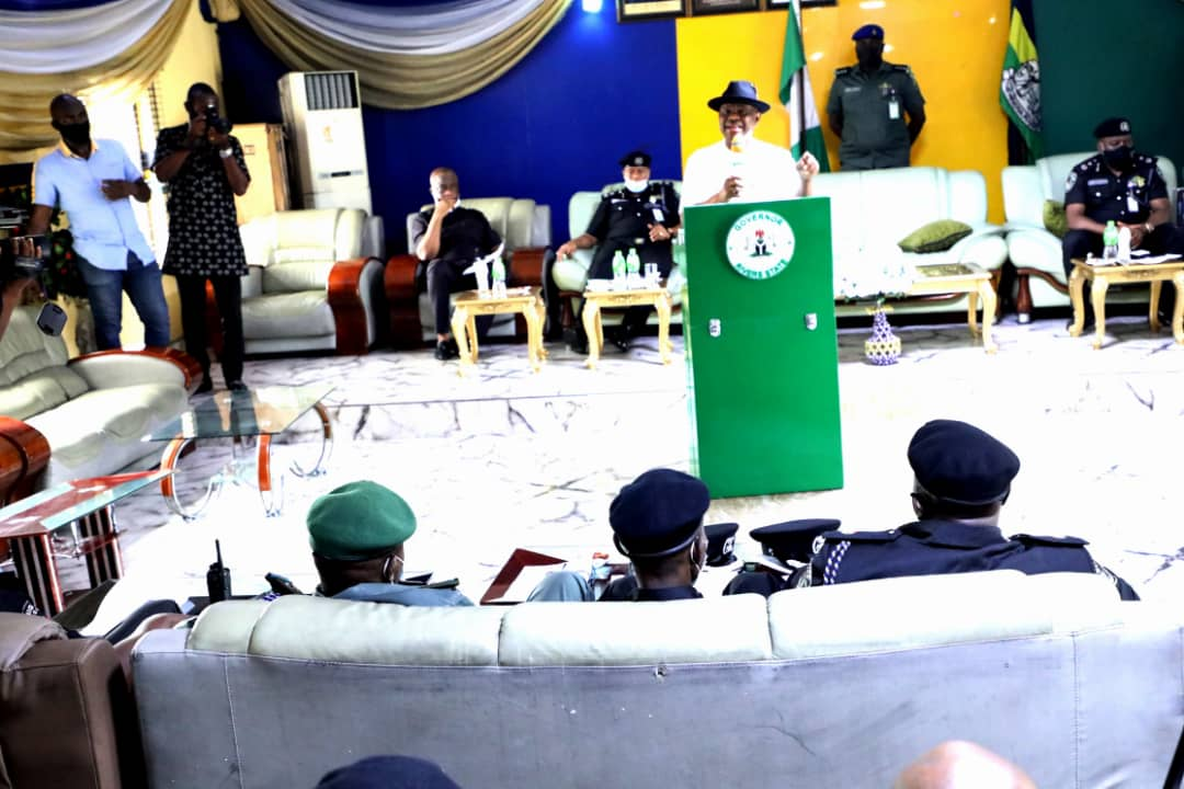 Families of dead police officers receive N20 million each from Wike