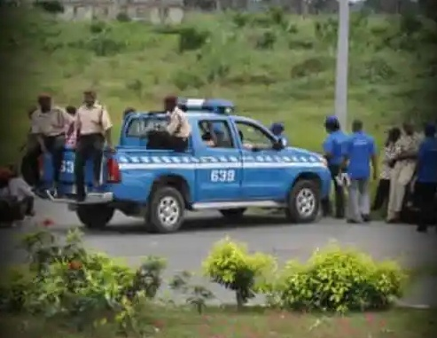 Rivers: Traffic offender ram into shops while trying to escape police chase