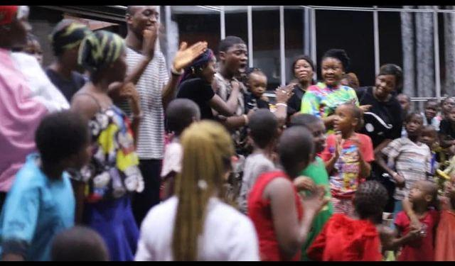 Boy cries uncontrollably after receiving N1 million from Apostle Chibuzor
