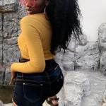WENDY SHAY SHOWS HER BIG BEAUTIFUL BUTTS