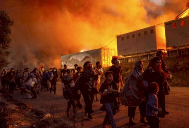 Grecia: un campamento de refugiados para inmigrantes fue destruido por un incendio