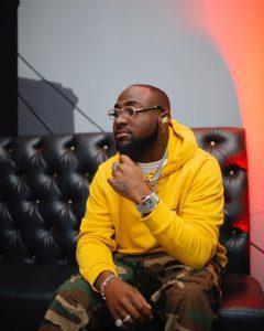 I'm bigger than your fave – Davido tells Wizkid's fan