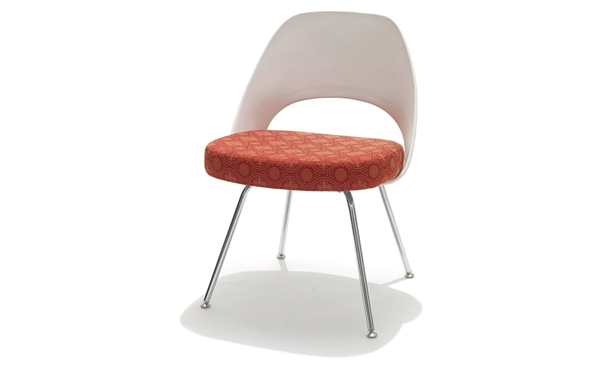 Saarinen Plastic Back Side Chair With Tubular Legs