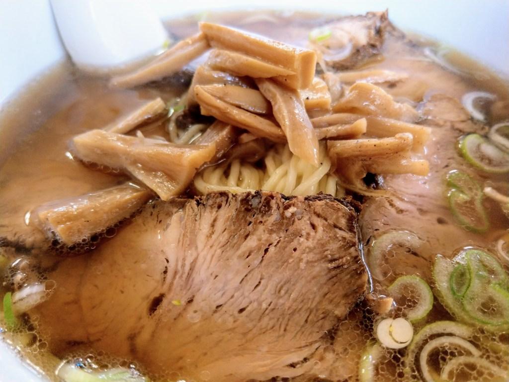 干楽チャーシュー麺のチャーシュー