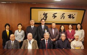 最後まで活発に意見交換を行った間瀬勝一委員長、山本貞副委員長ほか10名の委員。それぞれの専門分野や所属団体を越えた熱い議論が展開された