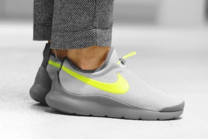 Nike Aptare 全新配色設計