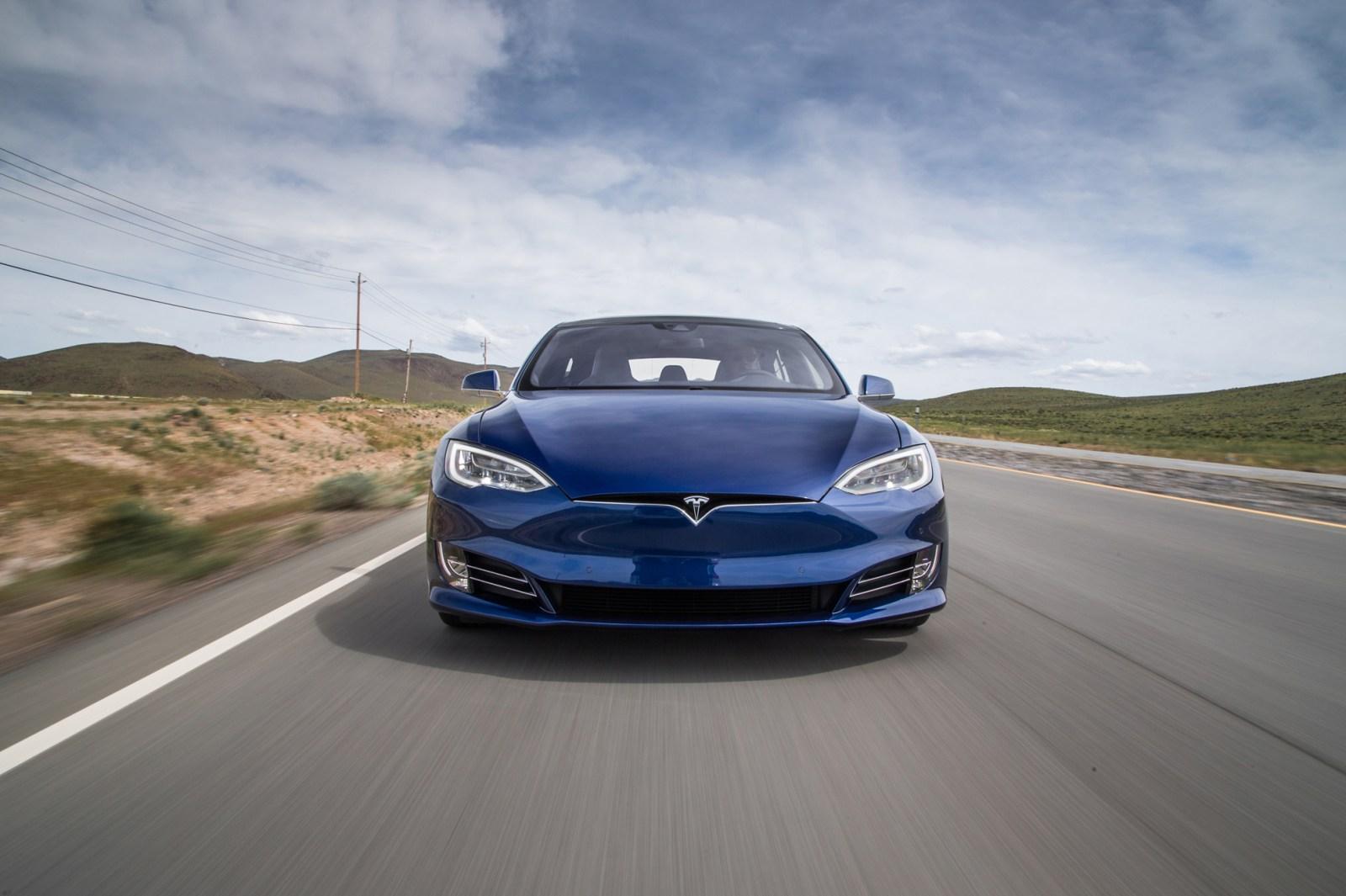Tesla 即將淘汰入門版 Tesla S 60/60 D