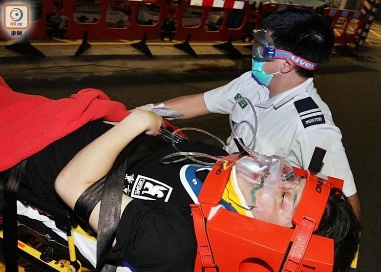 醉男觀塘警署外跳車重傷 留醫4日救唔番|即時新聞|港澳|on.cc東網