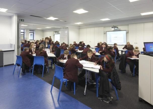 英現教師荒 30萬名學童今年冇班主任 即時新聞 國際 on.cc東網