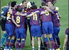 برشلونة يتوج بطلا للدوري الأسباني للعام الثاني على التوالي