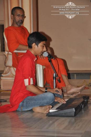 brahmanand-kala-kendra-students-music-performance-5