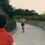 另一位學員繆春興也在奮力向前跑 Another Association member, Mr. Miu Chun-hing, was also in the marathon