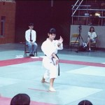 本會學員張美斯在進行女子套拳比賽 Mr. Cheung Mei-zi, member of our Association, in a kata competition