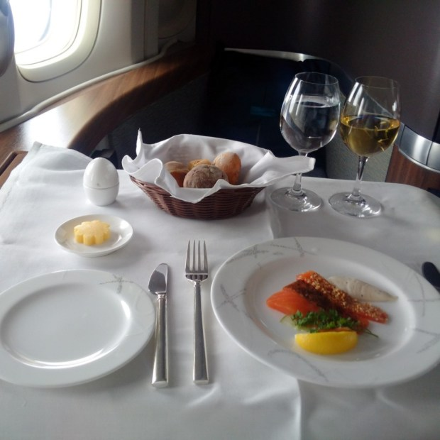 CX542 meal (HK Travel Blog)
