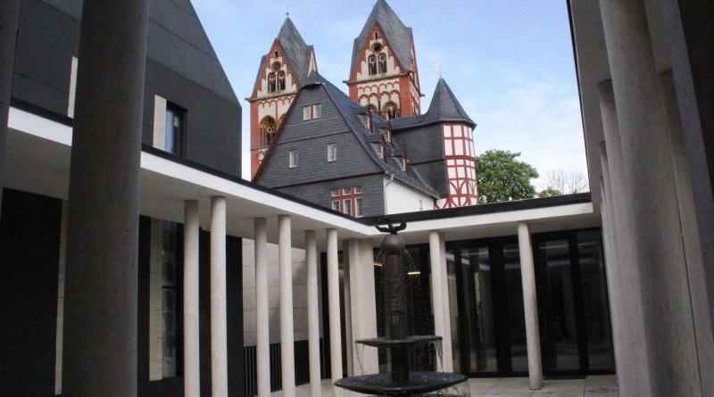 Das Bistum Limburg öffneten die Pforten für einen INstawalk im Bischfshaus.