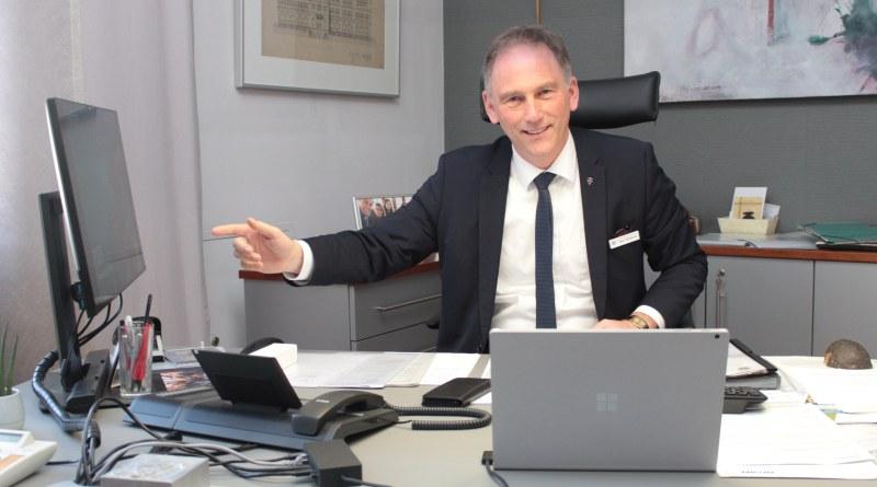 Michael Köberle ist seit 100 Tagen Landrat und zieht eine erste Bilanz