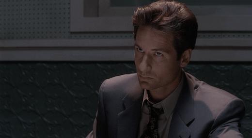 Mulder death glare in Squeeze