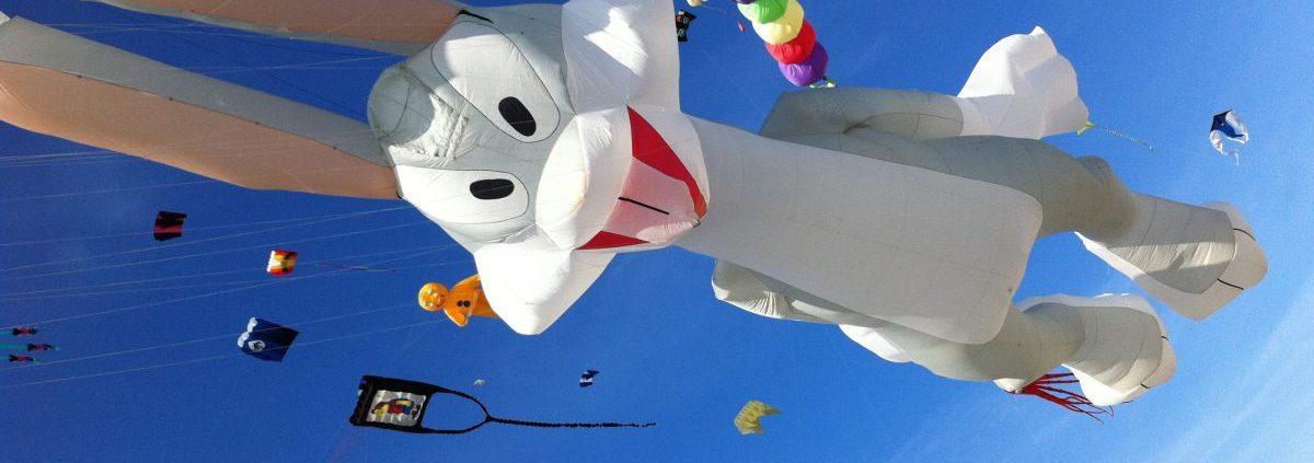 Drachenfestival - Open-Air Saison in Podersdorf am See mit Drachen und Air-Skulpturen