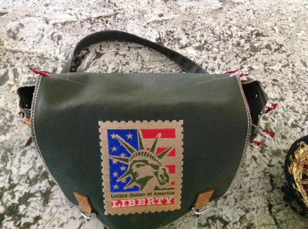 ET U shaped messenger bag