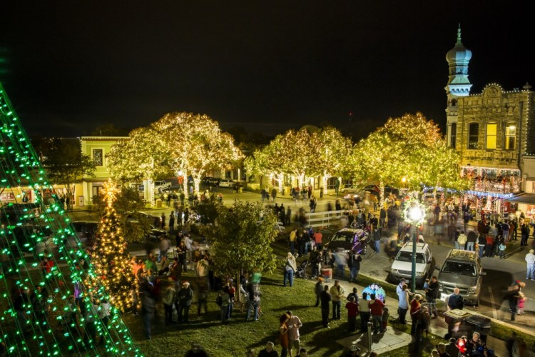 Georgetown Square Christmas Stroll