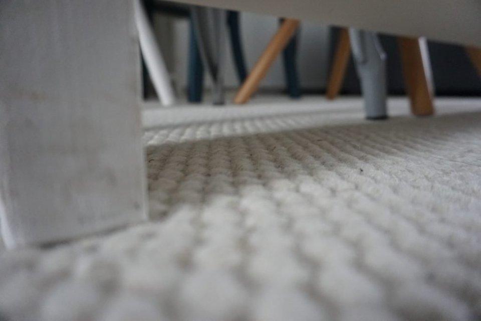 Teppe-vloerkleed-home-collectie-tijdloos-monochroom-design-wol-white-zomer