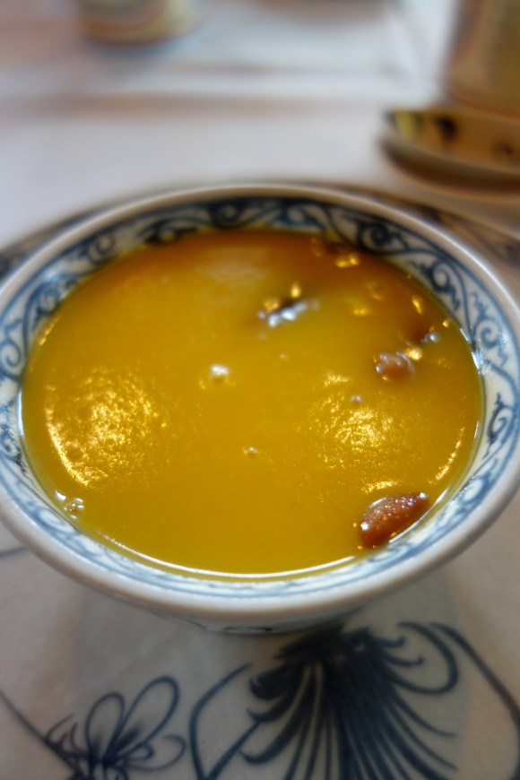 Red bean and lotus seed soup